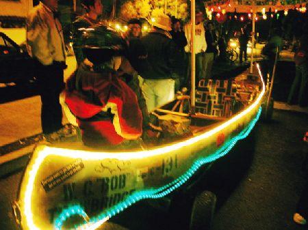 boy-in-boat_12-31-05.jpg
