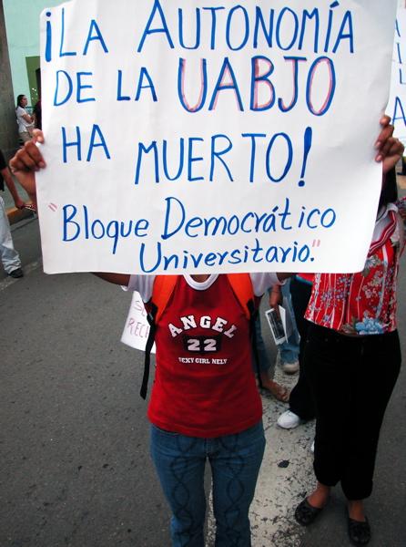 bloquedemocratico_8-19-05.jpg