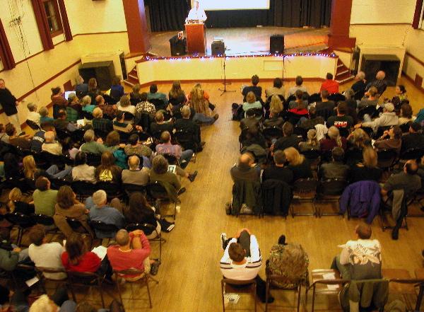 crowd_10-20-04.jpg