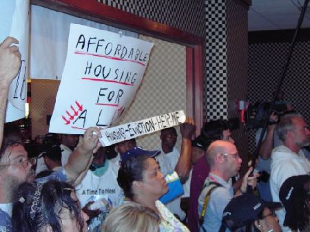 housing-eviction_10-12-05.jpg