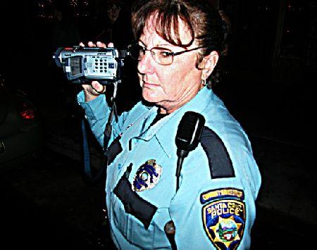 cop-camera_12-31-05.jpg