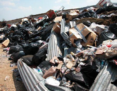 garbage_9-15-05.jpg