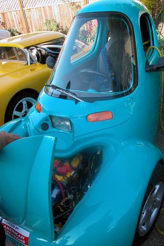 blue car 6-26-03.jpg