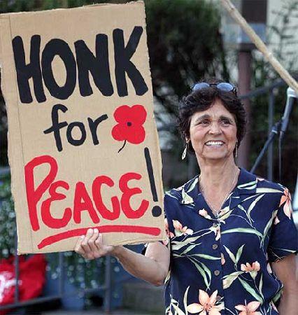 Honk_for_Peace.jpg