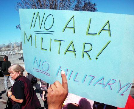militar_10-16-05.jpg